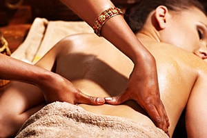 massaggio ayurveda samadhi agriturismo yoga zollino lecce
